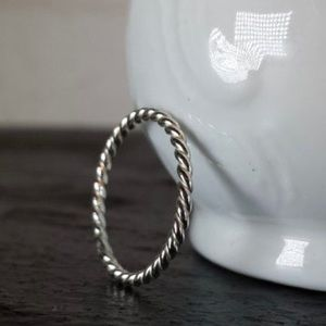 Jewelry - Sterling silver twist rope ring